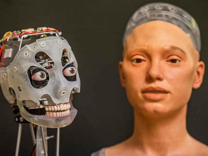 robot which can make photos